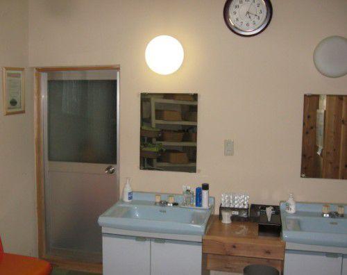 大浴場脱衣所の洗面台