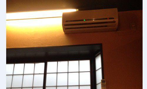 個室についてたエアコン