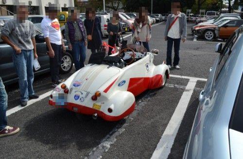 駐車場で発見クラシックカー