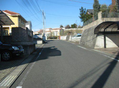 ラポルト前の道