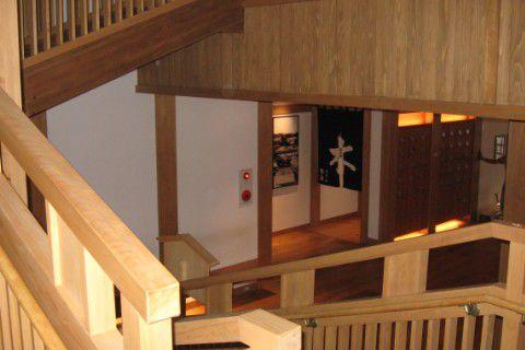 御座の湯 階段