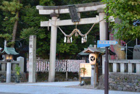 金沢21世紀美術館前の神社