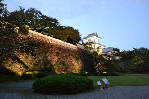 金沢21世紀美術館側の夜景