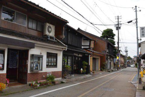 妙立寺周辺の街並