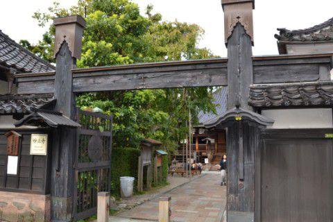 妙立寺正面門