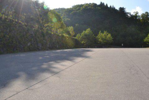 奥飛騨クマ牧場 駐車場