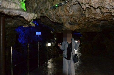 飛騨大鍾乳洞の低い天井