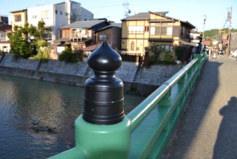 柳橋から宮川を見る
