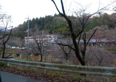 山道から見た梨木温泉