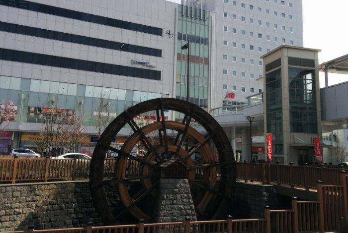 上田駅前水車