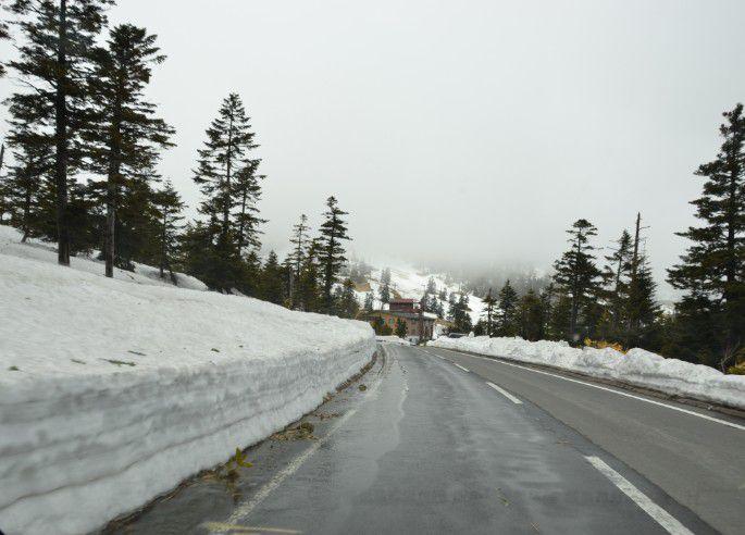渋峠ホテル手前の道路