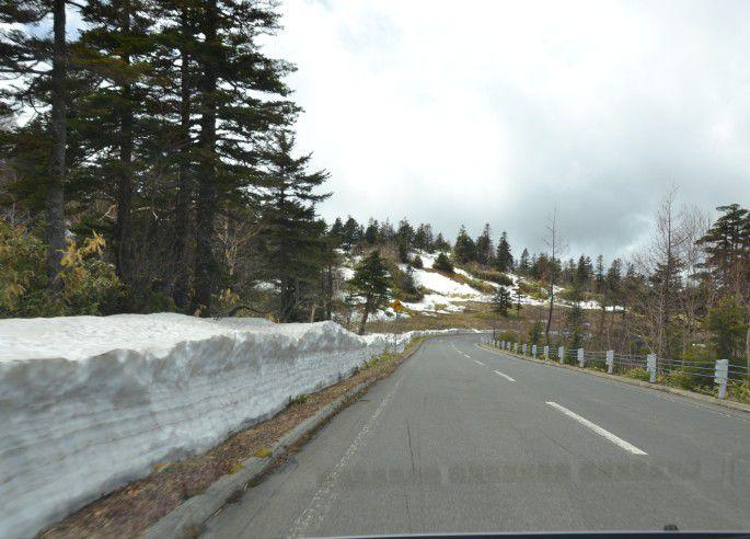 志賀高原側の雪の様子