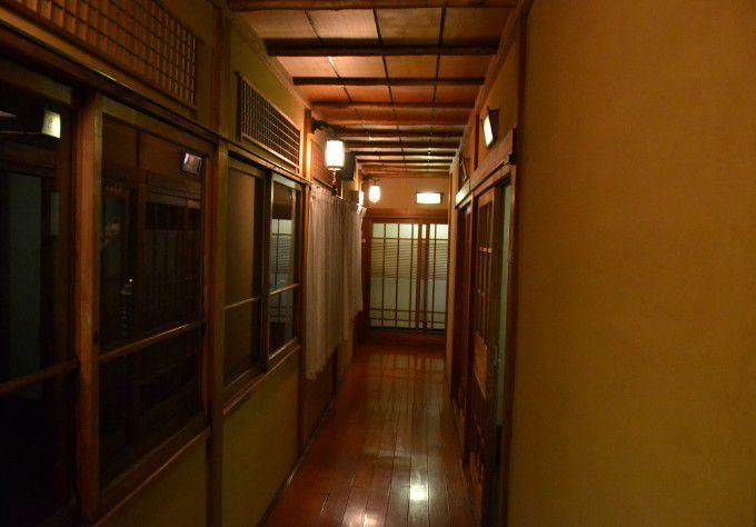 一般客室前の通路