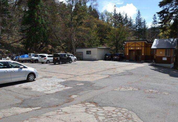 野猿公苑駐車場