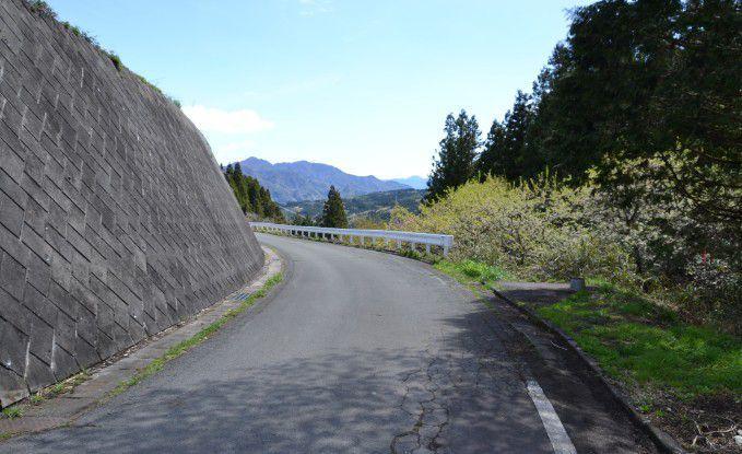 平沢登山口観光案内所周辺道路