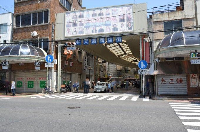 弁天通り商店街のクラシックカー