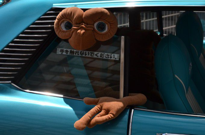 車の中のぬいぐるみ
