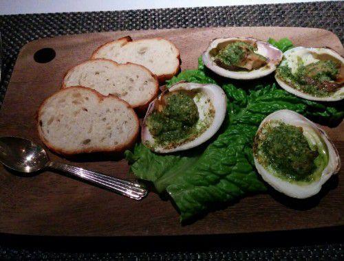 特製ホンビノス貝の香草バター焼きトースト添