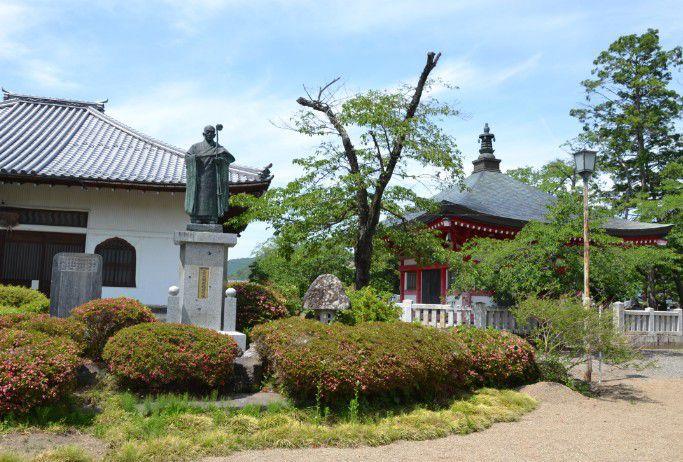 長国寺僧堂と放光堂