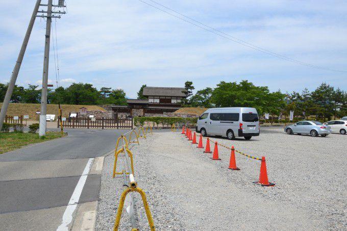市営殿町観光駐車場から見た松代城太鼓門