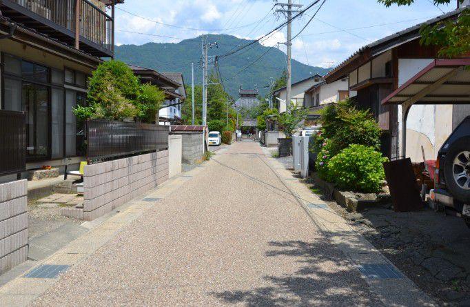 住宅街の小道