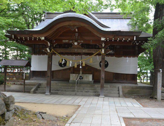 八幡社の拝殿