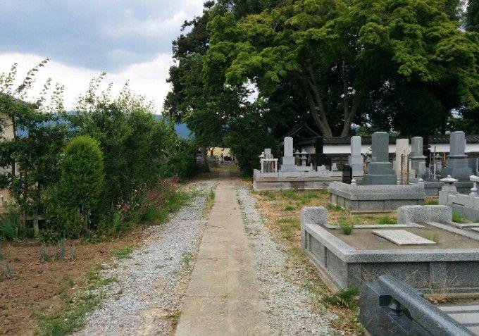 大鋒寺の墓所