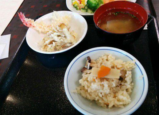 天ぷら味噌汁筍ご飯