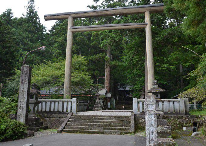 三夜沢赤城神社鳥居