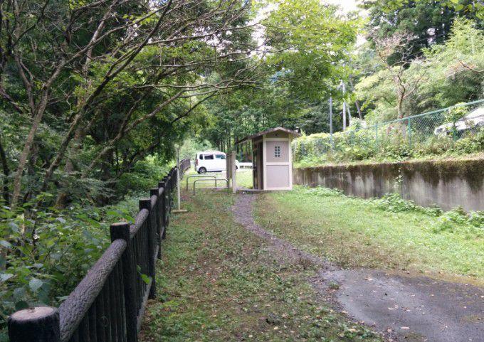 桐生川親水護岸トイレ