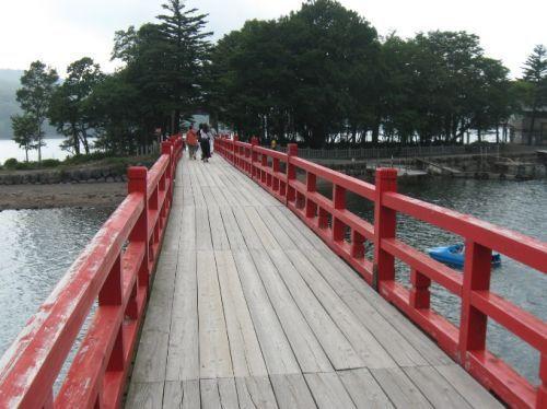 赤城神社の赤い橋