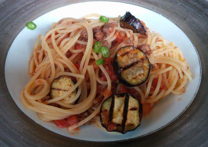 六合村産猪と地元産トマトのラグーンソーススパゲティ