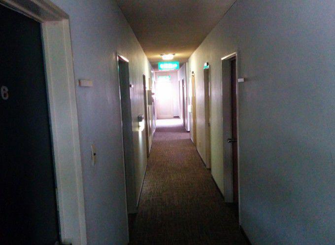 綿貫ペンション2階通路