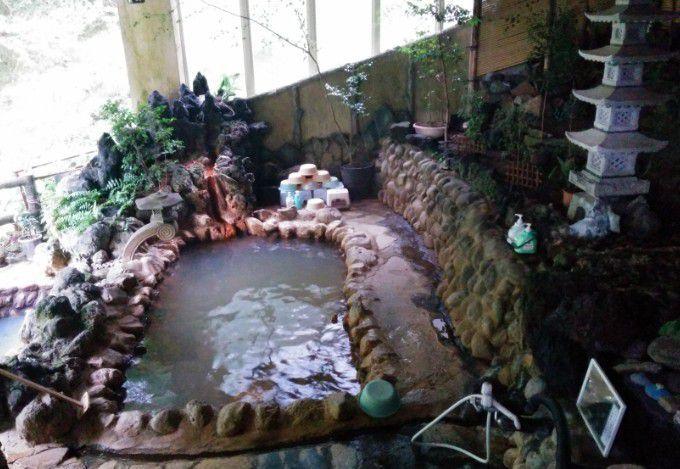 混浴露天風呂の全景