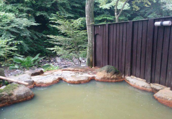 女湯との塀、柵