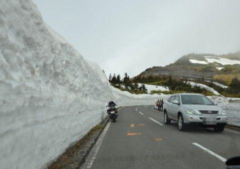 雪の回廊ドライブ