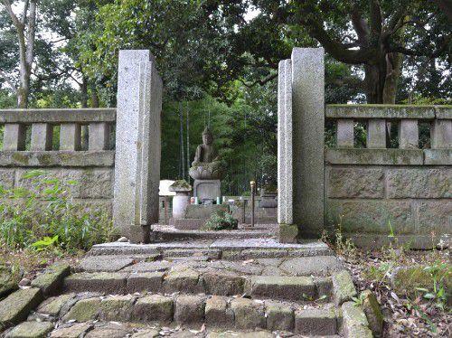 徳川善季公以下累代の墓