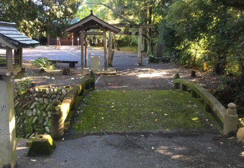旭ケ丘神社境内