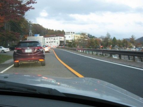 中禅寺湖周辺で渋滞
