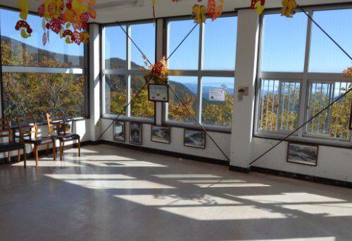 明智平駅の展望スペース