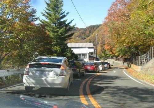 竜頭の滝約2キロ手前の国道120号線の渋滞