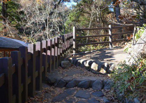 龍頭の滝遊歩道