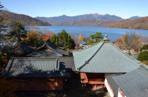 五山堂から見る中禅寺湖