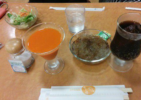 ところてんとミニサラダと野菜ジュース