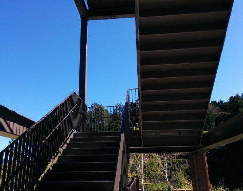 長篠設楽原PA展望台の階段