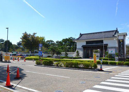大手門前の岡崎公園バス駐車場