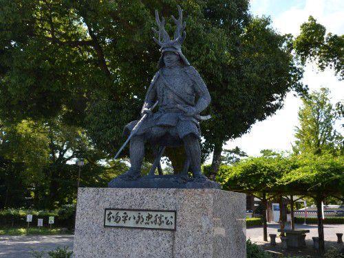 本田平八郎忠勝公の銅像