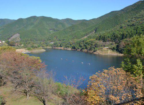 梅田湖の様子