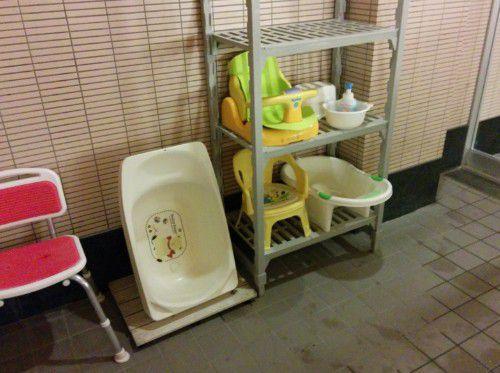 ベビーバスや幼児用のイスなど