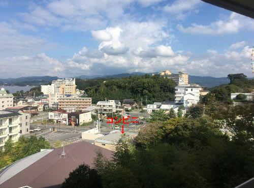 スカイコート棟の客室から舘山寺の眺め